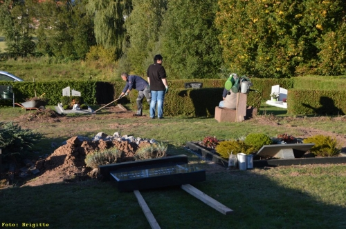 007-Friedhof Neupflanzung 325